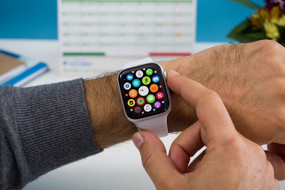 Migliori smartwatch economici sotto i 50 euro | Quale comprare | Classifica 2021