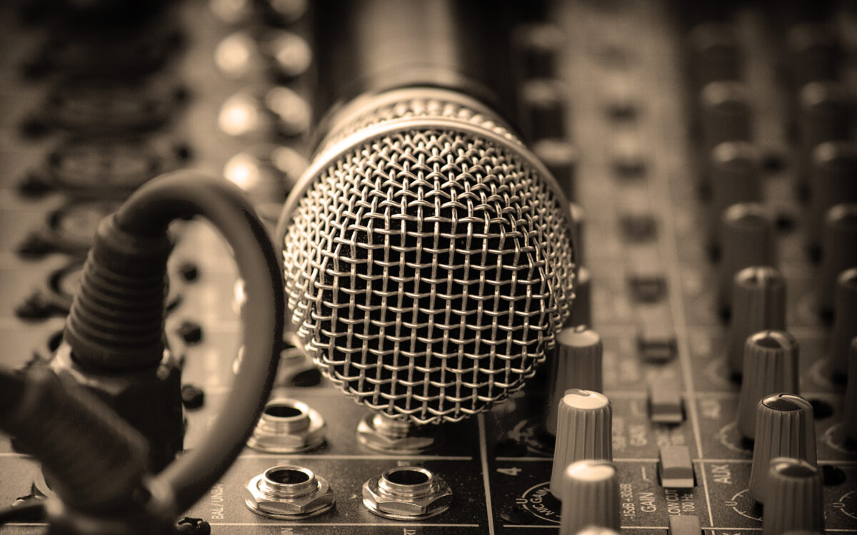 Migliori Microfoni per Karaoke sotto 50 euro | Classifica 2021
